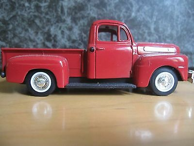 1948 Ford F-1 Pick Up Red 1/43 diecast model car by Road Signature 94212