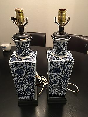Pair Of Vintage Oriental Porcelain Lamps / Blue Willow
