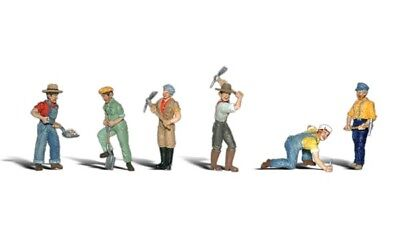 New Woodland N Scale Track Worker Train Figures A2148