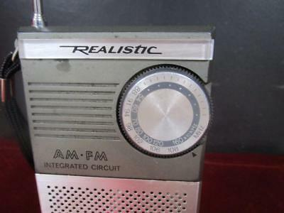 Vintage Realistic Am/fm Integrated Circuit Portable Radio..model No. 12-715