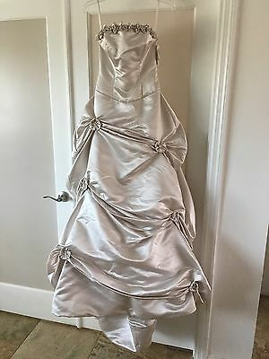 ANGELINA FACCENDA QUINCEANERA GOWN NWT size 4 OYSTER