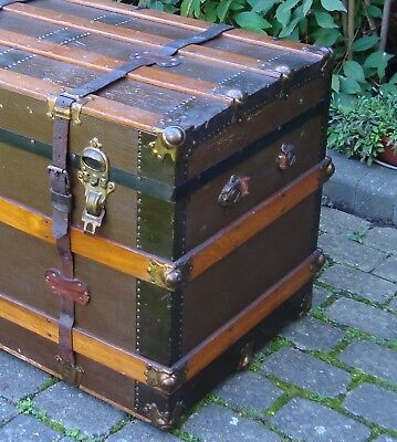 Antique steamer trunk ~ original, flat top, inner section, 2 keys (located IG1)