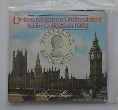 1982 Royal Mint United Kingdom Brilliant Uncirculated Coin Set Collection