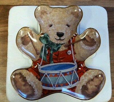 """Franklin Mint  """"little Drummer Bear""""  Christmas  Collector Plate/tray"""