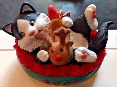 Mischievous Kittens - In Christmas Basket - Cat hallmark Keepsake 2007