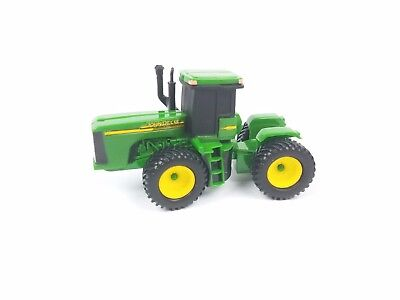 Ertl Collect and Play John Deere tractor