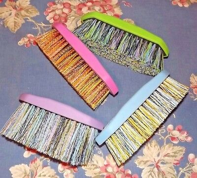New Lot of (4) Tail Tamer Soft Touch Rubber Grip Brushes