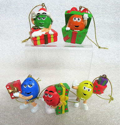 Christmas Holiday M&M Chocolate Candy Characters Figurine PVC Ornaments 5 PC