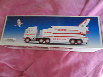 2000 Servco Hess Truck with Space Shuttle and Satelite NIB Christmas Truck