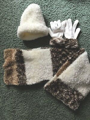 3 Piece Hat Scarf and Gloves Set Beige Cream Brown St. Johns Bay NWOT