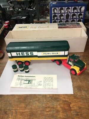 1975 hess truck(NEAR MINT UNTOUCHED TRUCK!)ALL ORIGINAL HIGH END CONDITION