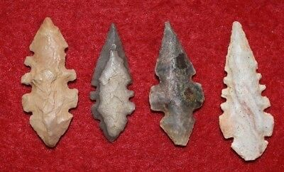 4 nice eccentric Sahara Neolithic projectile points, bold serrations