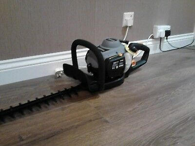 Titan 26cc petrol hedge trimmer