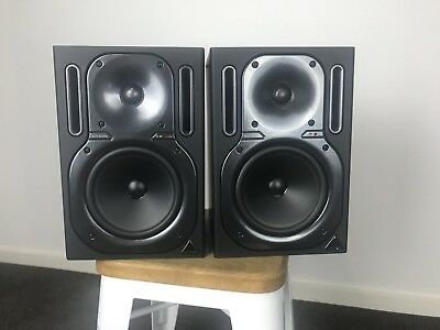 Behringer B2030A Studio Monitors x2