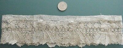 Antique Lace Cuff Chantilly?