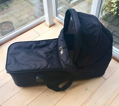 Mountain Buggy Duet carrycot + raincover IMMACULATE CONDITION