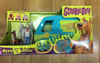 """Scooby Doo MYSTERY MACHINE w/ FRED SCOOBY DOO & GHOST 5"""" Action Figs Vehicle NEW"""