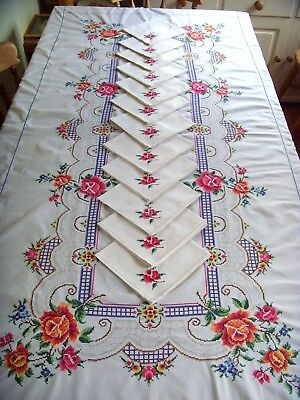 Beautiful Large Vintage Hand Embroidered  Tablecloth & 12 Napkins Roses Lace