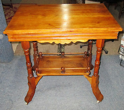 Vintage Walnut Parlor Accent Lamp Table