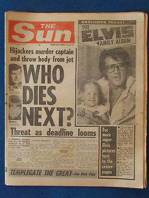 Elvis Presley - The Sun 18/10/1977 - Cover Photo & Centre Page Spread