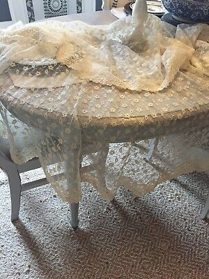 RARE & PRETTY Vtg Tambour Net Lace Floral Oval Tablecloth