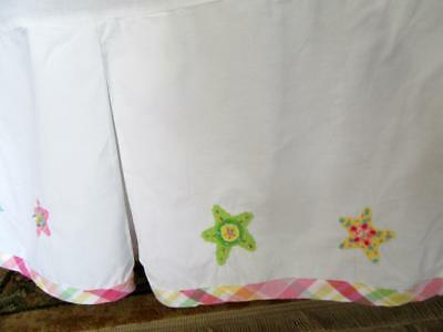 POTTERY BARN KIDS Baby CRIB SKIRT White with Appliqued Stars Pink Plaid Accent
