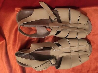 Homy Ped Leather Beige Sandals 9