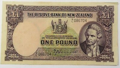 1940-55 New Zealand One Pound World Bank Note Paper Item #15552F