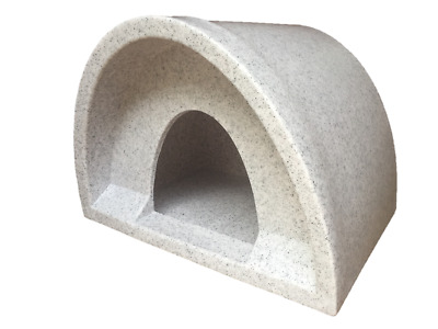 Bargain New At £37 Outdoor Cat Shelter / Kennel Cat House Plastic Cat Igloo Pod