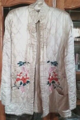 VINTAGE 1940's Silk/Satin White Jacket/Bed Jacket with Embroidery