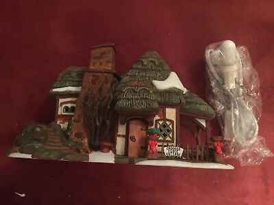 Dept 56 Dickens Village Crooked Fence Cottage House Christmas ~ MINT w/ Box