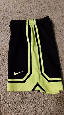 Nike Dri-Fit Boys Basketball Shorts M #637455 Black Bright Yellow Pockets **READ