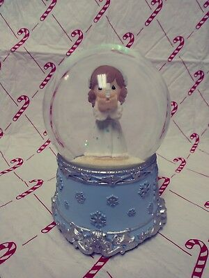 "2011 Precious Moments Share The Gift Of Love PWP Angel Snowflake 8"" Snowglobe"