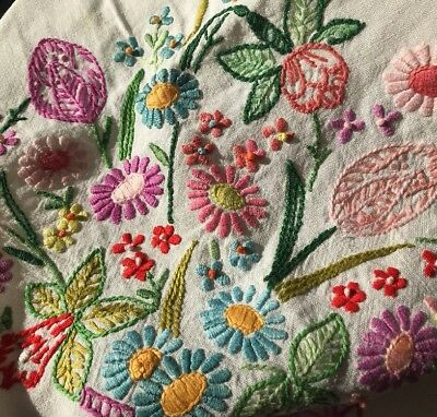 """Beautiful Vintage Hand Embroidered Flowers In Vase Linen Tablecloth 48 """" X 64"""""""