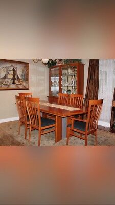 Dining room set with china cabinet. solid oak , 8 pcs plus 2 leafs.