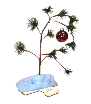 Peanuts Charlie Brown Christmas Tree 18 Inch with Linus Blanket Great Fans Gift