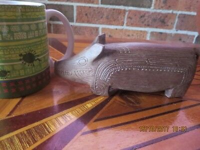 Papua carved wooden pig