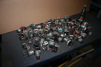 Lot of 55 Allen Bradley Industrial buttons and switches,800T series INV=26003