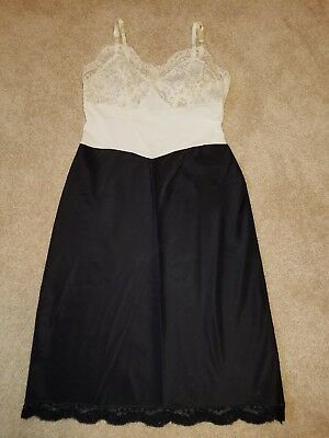 Vintage 1950's-1960's Fischer Heavenly Lingerie In Black and cream Size 32