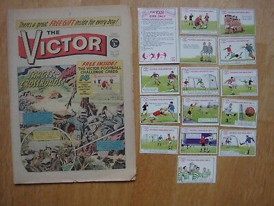 VICTOR COMIC #577   March 11th 1972 WITH FREE GIFT FULL SET FOOTBALL CHALLENGE