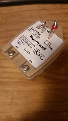 New Honeywell 1321-1 16.5 vac 25va class 2 plug in Transformer