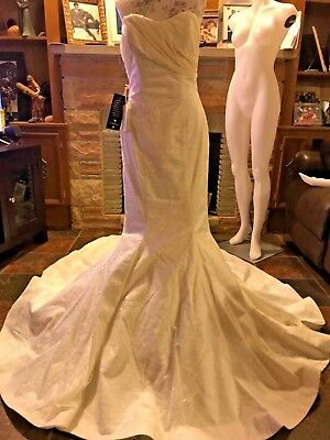 Wedding Gown/dress Designer BeBe mermaid  LACE strapless size 6 NWT Orig. 1550