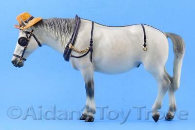 Breyer Starman 1233 - Traditional Model Horse - Glossy Grey Old Timer + Hat