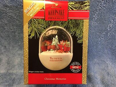 Hallmark Christmas Memories 1990 Clydesdale pulling wagon magic light and motion