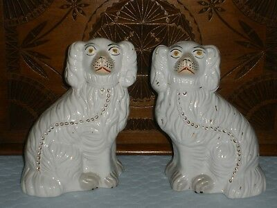 Vintage Pair Of Pottery Mantle Piece Dogs White