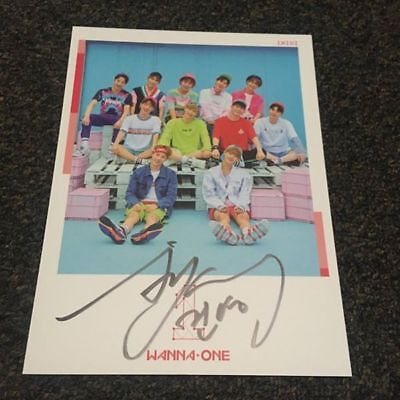 WANNA ONE  Bae Jinyoung  Mwave signed Pink cover