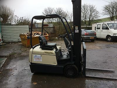 Crown Sc3013 Electric Forklift With Side Shift Triple Boom, 6.6M Lift