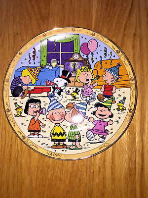 Danbury Peanuts Happy New Year! Gold Rim Plate Peanuts Charlie Brown MINT! RARE!