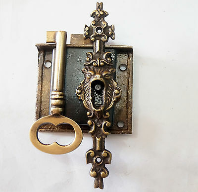 Vintage Antique BRASS KEY-LOCK and SKELETON Keys with LION Mouth Key Hole Decor
