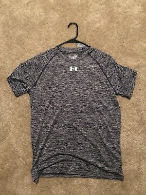 NWT Under Armour Heat Gear Short Sleeve Shirt Mens Small